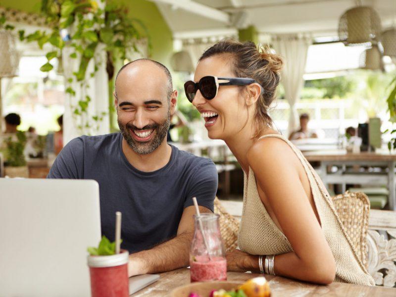 Compreensao-da-fala-em-restaurantes-e-ambientes-ruidosos-scaled.jpg